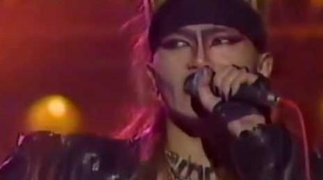 XJapan「紅」歌詞の意味を考察!YOSHIKIの父親への想いとは?